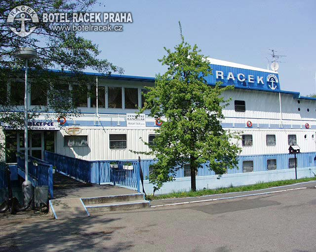 Botel racek prague prague hotels online for Hotel reservation in prague