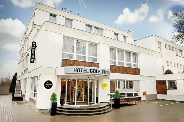 Hotel golf prague prague hotels online for Hotel reservation in prague